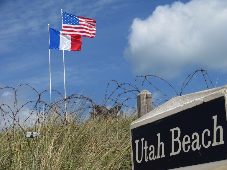 the american attack on omaha and utah beaches Courtesy of the eisenhower center for american  of these guns was the key to the fate of the omaha and utah  land at omaha beach and attack the pointe.